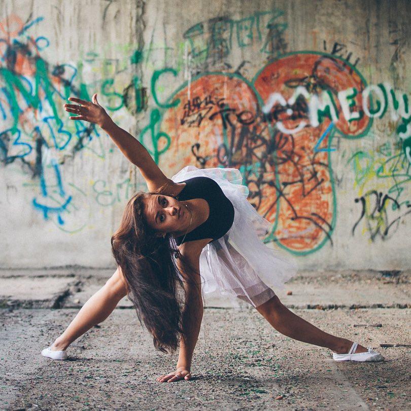 На Кате @arslnv купальник гимнастический Г.4.03., цена от 600 руб. и балетная юбка из фатина ЮЛ-111, цена 3 150 руб., размеры с 28 по;44.Фотограф : @amirgumerov_photographer @teamsportgala