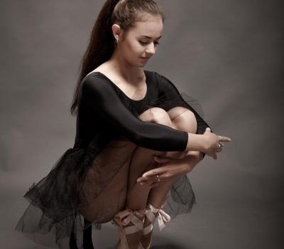 На Кате @arslnv купальник гимнастический Г 2.03, цена от 600 руб. и балетная юбка из фатина ЮЛ-111, цена 3 150 руб., размеры с 28 по 44, пуанты от 2100 руб. Фотограф : @amirgumerov_photographer @teamsportgala